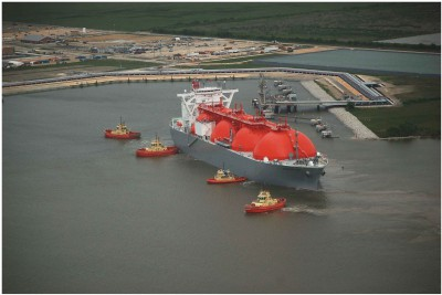A liquefied natural gas ship transits the Neches River in Texas. Photo: NOAA