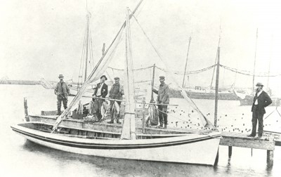 The photograph of shad fisherman in Manteo was taken about 1900. Photo: UNC libraries