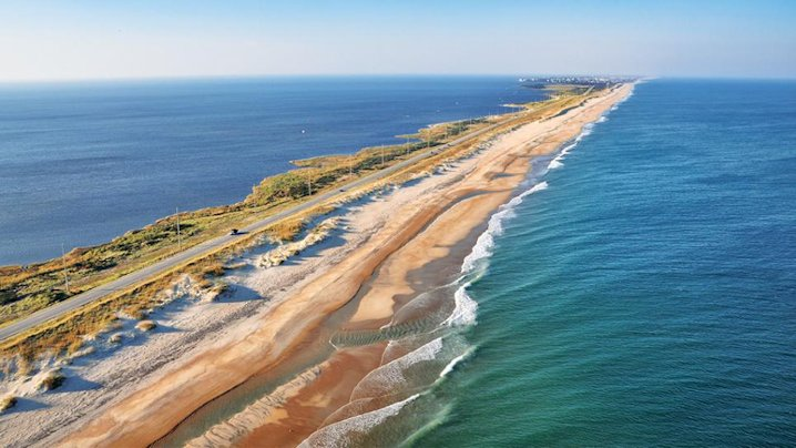 Miles of mostly deserted beaches await the wintertime denizen of Hatteras Island. Photo: National Geographic