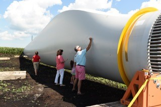 People sign the first blade of the Amazon Wind Far. Photo: Avangrid Renewables