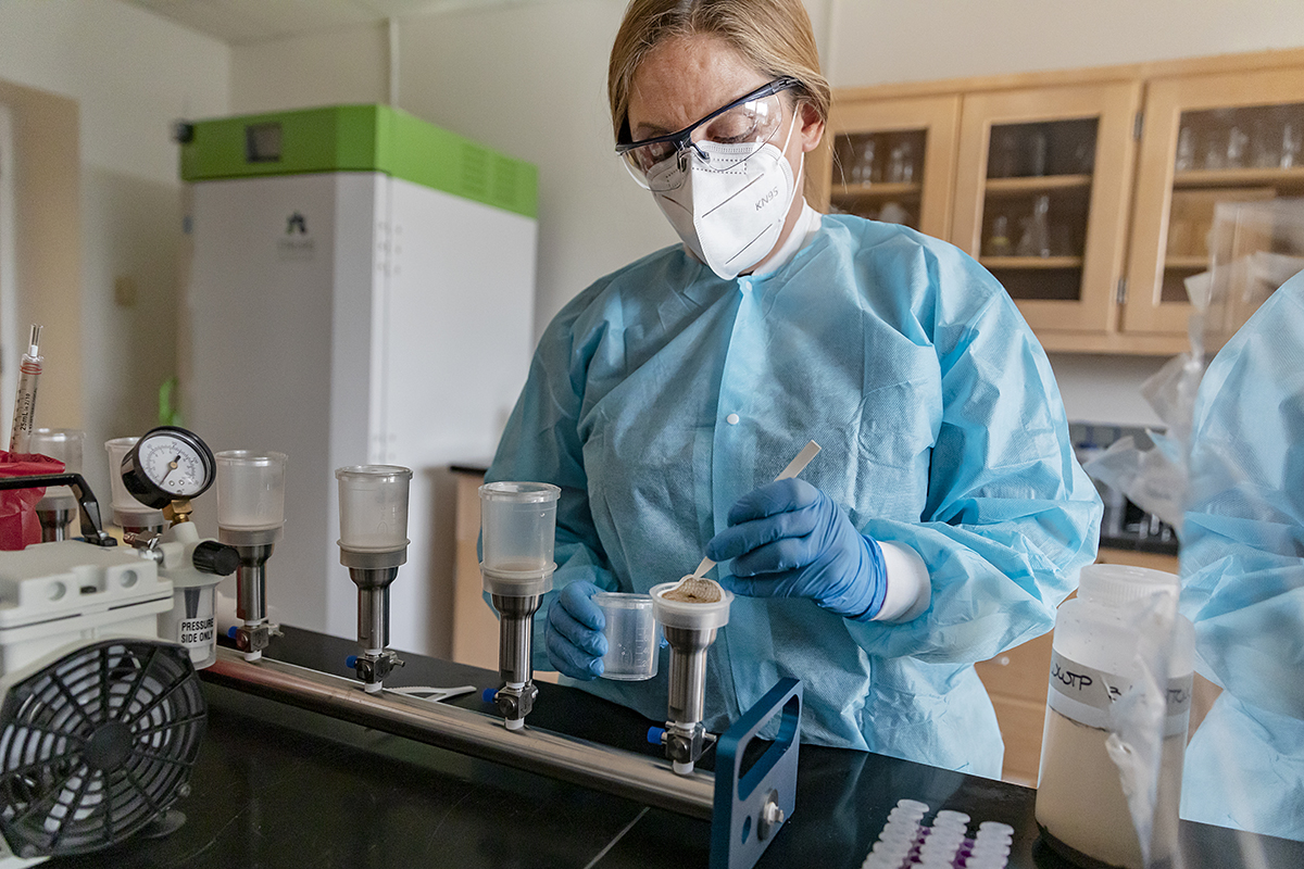 Dr. Rachel Noble works in her environmental microbiology lab at the Institute of Marine Sciences in Morehead City in March. Photo: Johnny Andrews/UNC-Chapel Hill